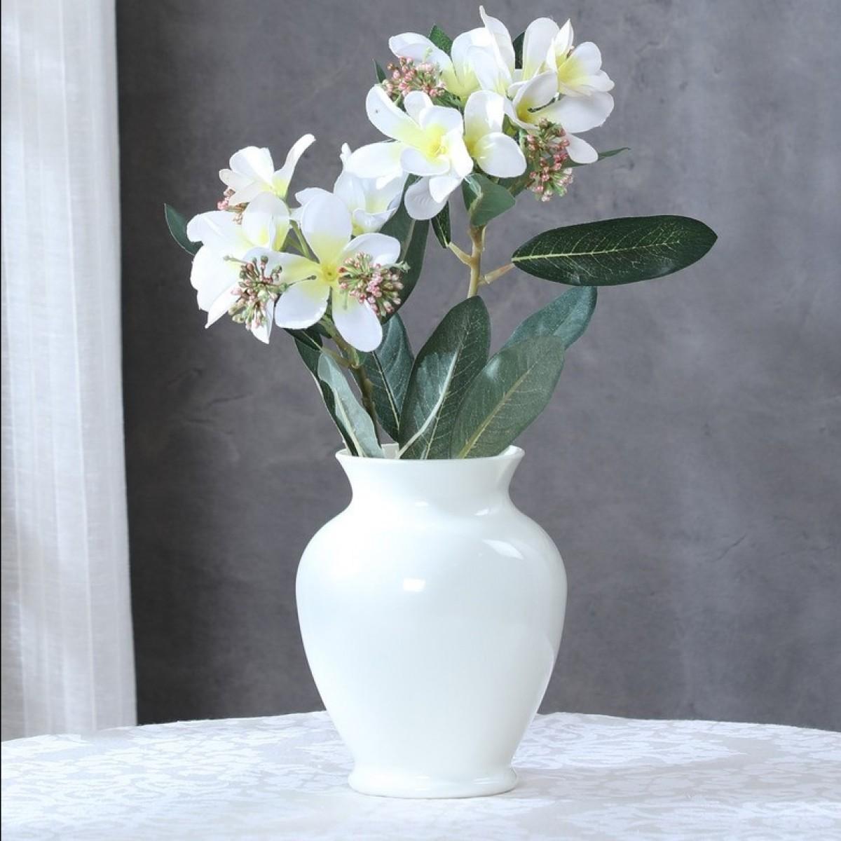 5104 Ginger Ivory 9x16cm Acrylic Vase - 1 No