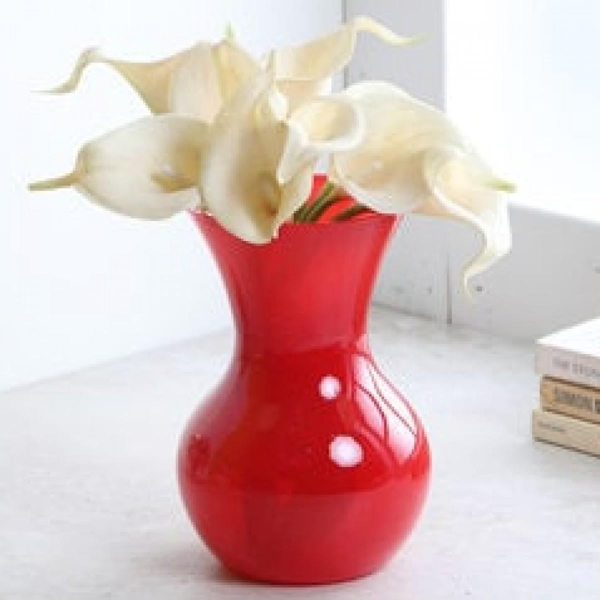 5146 Sweetheart Red 11x18cm Acrylic Vase - 1 No